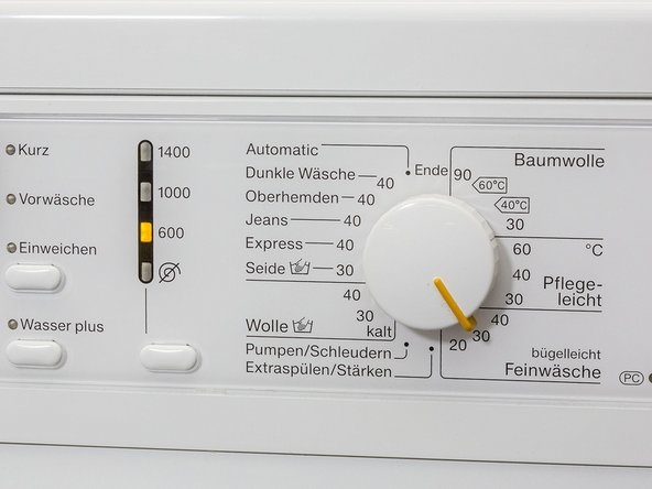 Set the washing machine to the cycle and temperature recommended on the apparel. In our example it's 30 °C and a gentle cycle. Put the correct amount of liquid in the dispenser depending on the hardness of your water. You can find out how much you should use by reading the instructions on the care product.