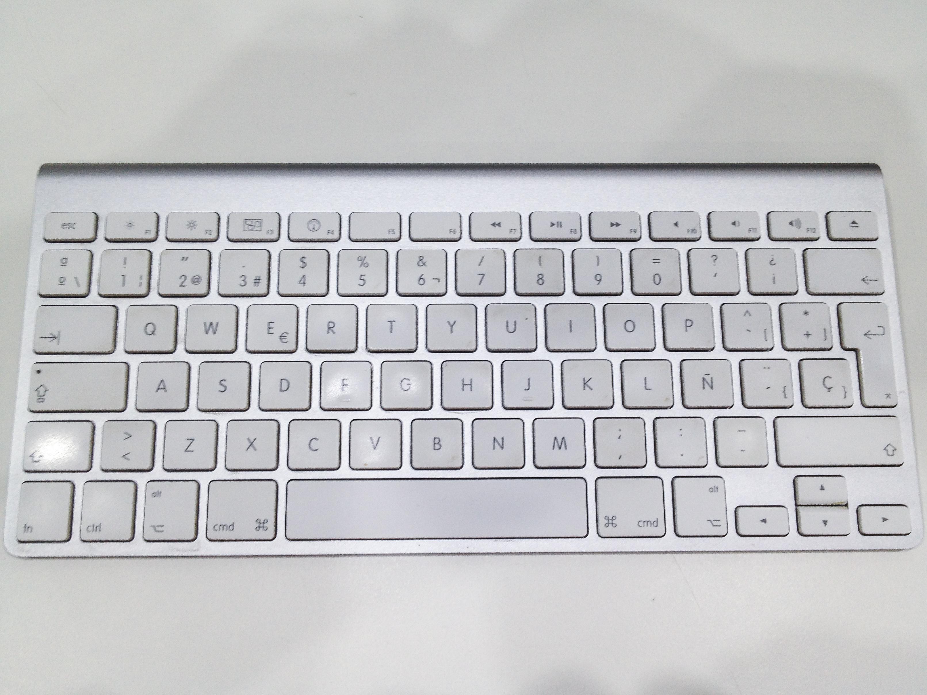 Apple Wireless Keyboard  A1255  Teardown