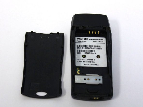 Nokia 8290 Battery/Back Cover Replacement