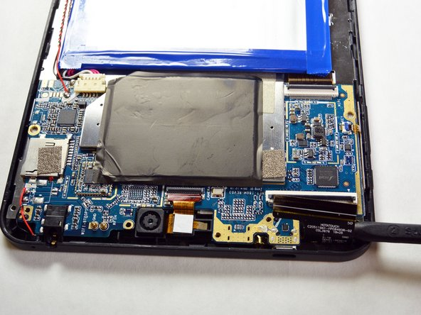 Be careful not to damage any of the wires. If damaged, the tablet may not work correctly after repairing.