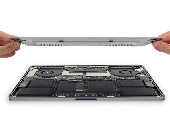 """MacBook Pro 15"""" Touch Bar 2017 unteres Gehäuse austauschen"""