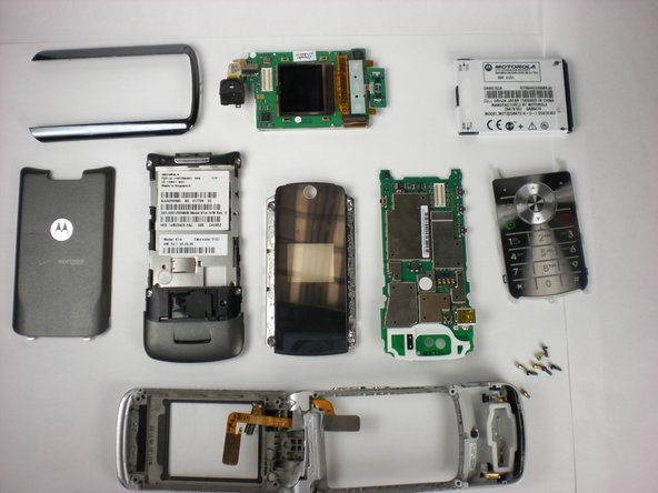 The final result should look similar to this layout of the disassembled Motorola K1m.