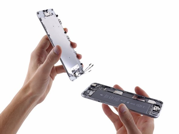 Image 1/1: Remove the front panel assembly from the rear case.