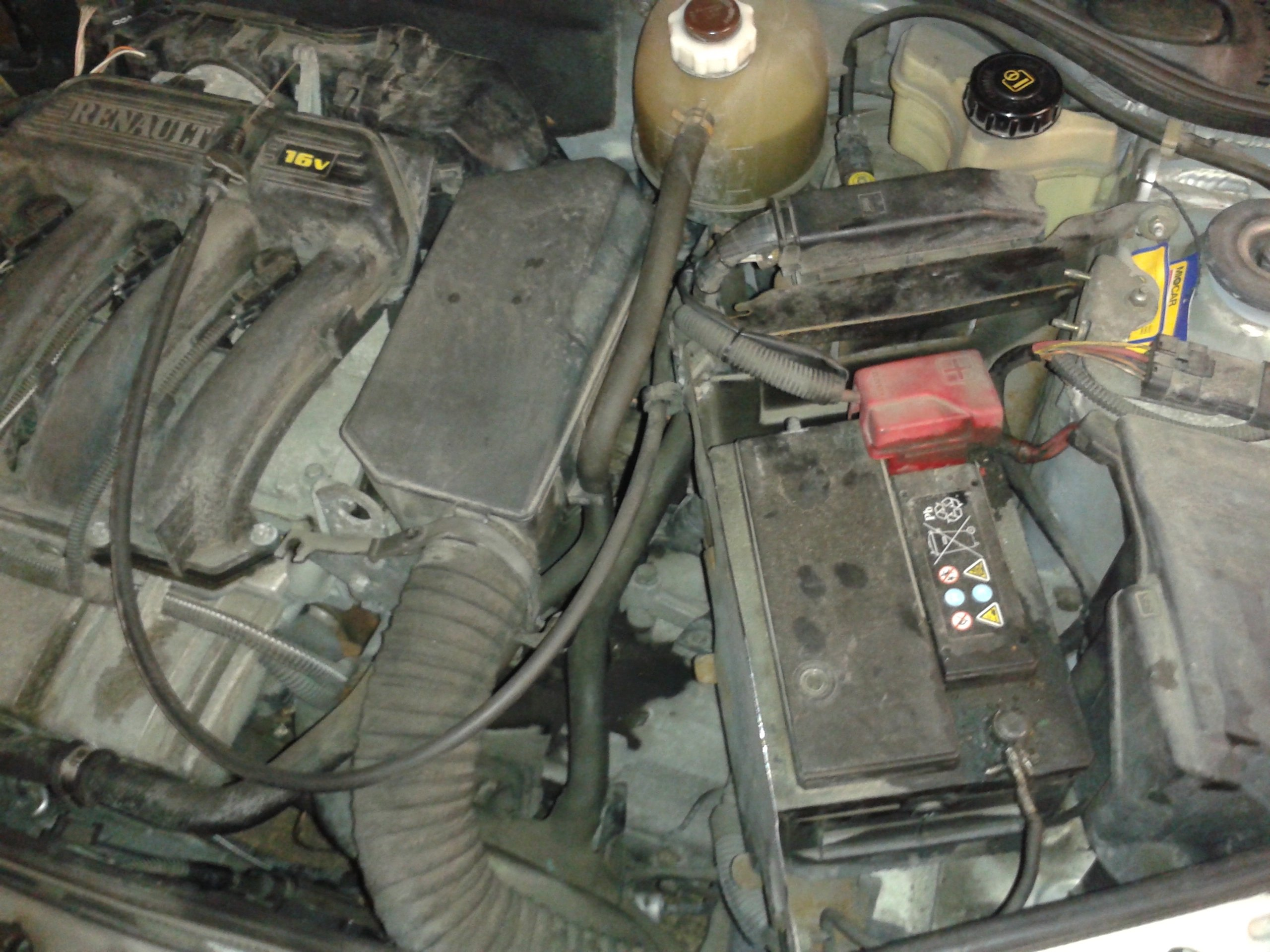 1998-2012 Renault Clio II Battery Replacement (1998, 1999, 2000