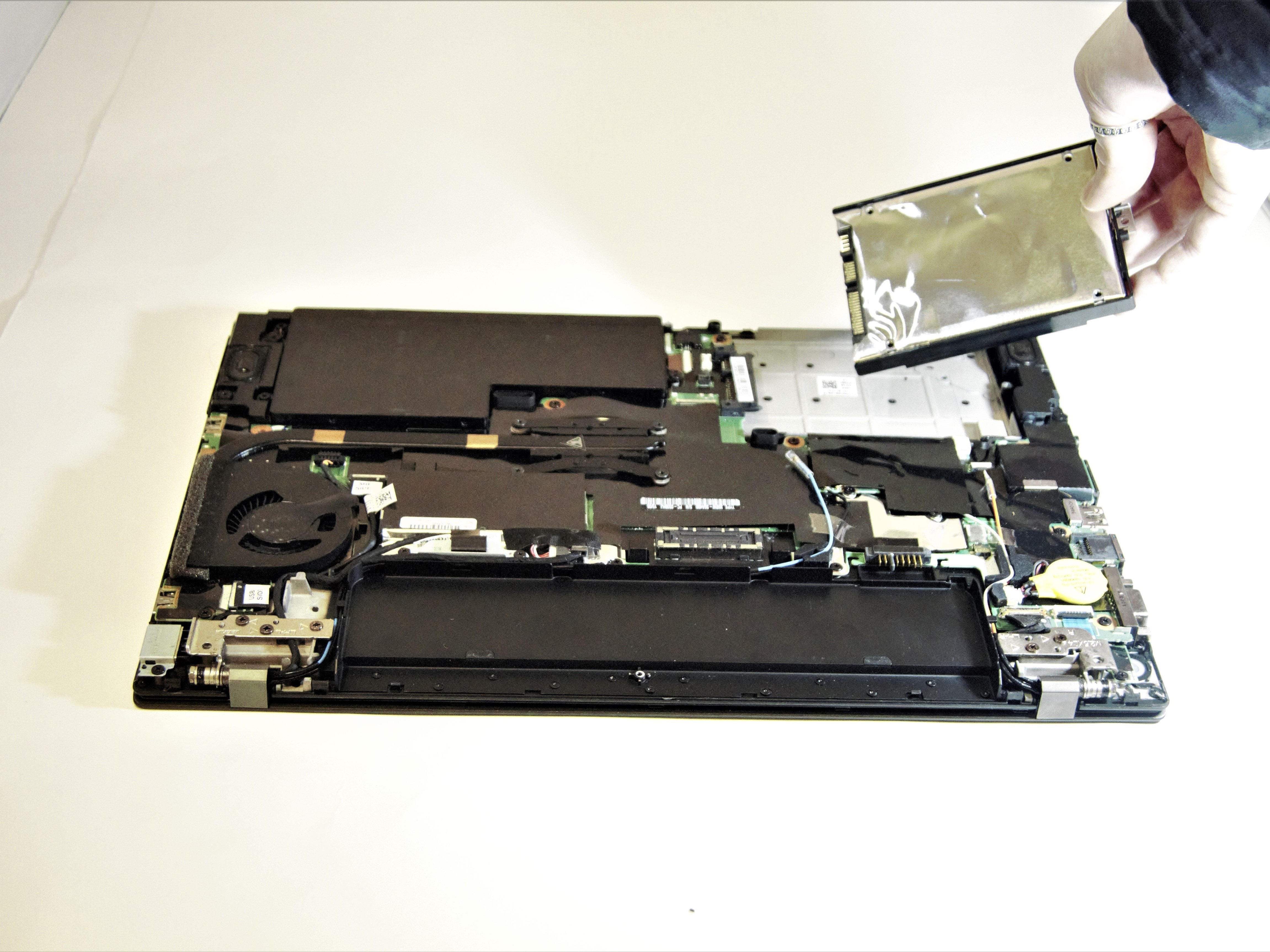 Lenovo Thinkpad T450s Hard Drive Replacement - iFixit Repair