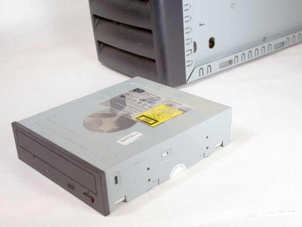 Removing the HP Compaq dx2000MT Optical (CD) Drive