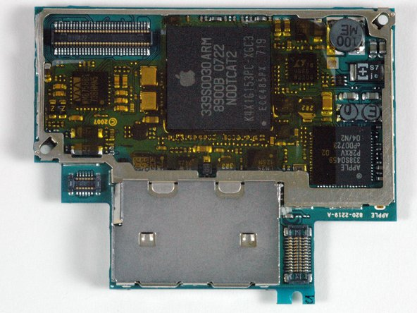iPhone 1. Generation Logic Board austauschen