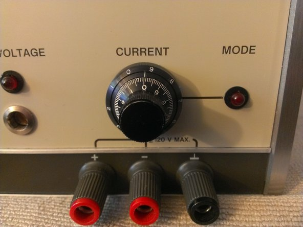 The second image shows the current control dial. This model has the Option 14 ten turn current control installed. It allows very fine precision control of the output current, theoretically with a resolution down to around 1mA.