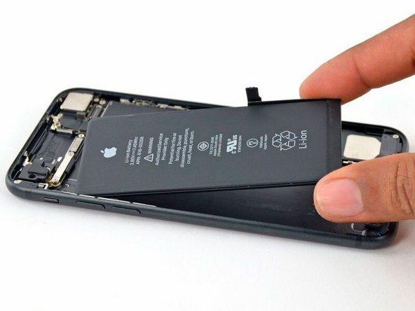Замена аккумулятора в iPhone 7