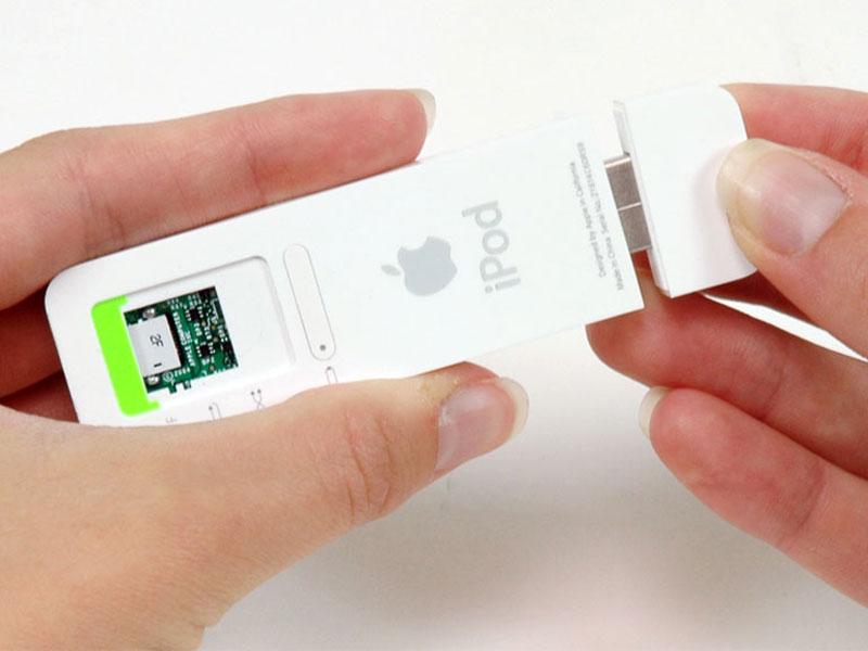 ipod shuffle 1st generation repair ifixit rh ifixit com Apple iPod Shuffle 1GB iPod Shuffle 1 Gig