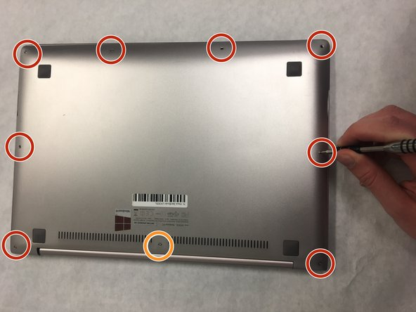 Asegúrate de que tu dispositivo esté apagado antes de llevar a cabo este procedimiento.