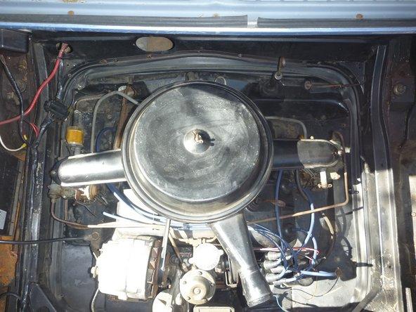 Finalmente, suba o baje los tornillos de velocidad de ralentí hasta que la velocidad de ralentí sea de aproximadamente 550 RPM