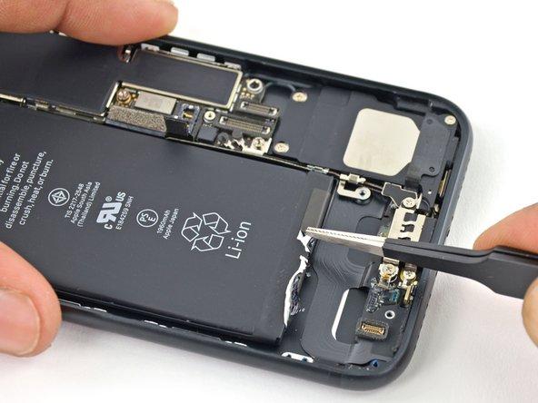 rBKKelsdUfkxXsqM - iPhone 7 Batterij vervangen