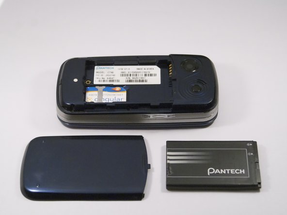 Retirez la batterie de son dock.