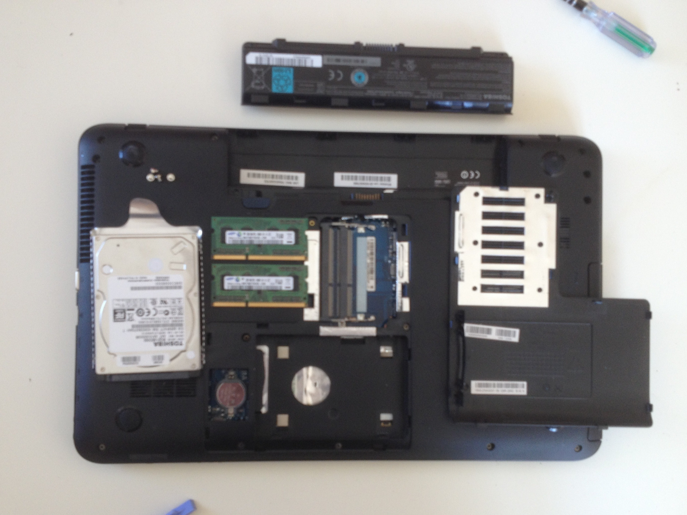 Toshiba Satellite C850 Repair Ifixit Collection Laptop Parts Diagram Pictures Diagrams Hdd Ram Memory