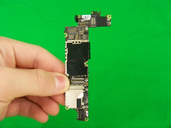 Disassembling iPhone 4S Logic Board