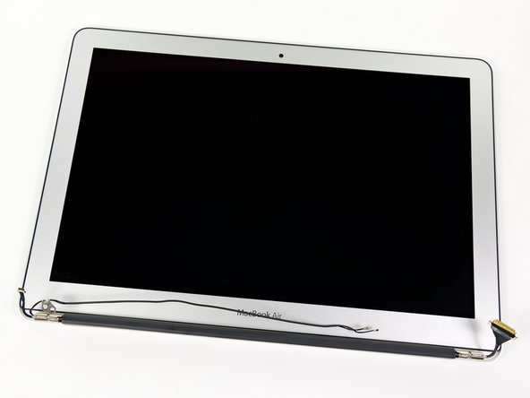 "This Air is equipped with the same 1440 x 900 LED backlit display as the previous 13"" Air."