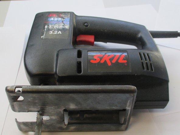 Disassembling SKIL 4235 Jigsaw Protective Frame