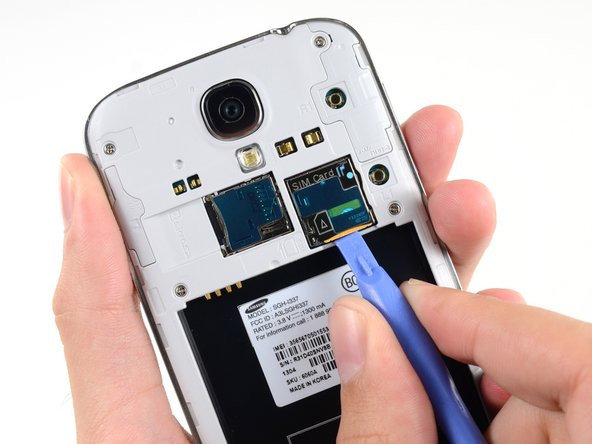 Image 2/3: Remove the SIM card.