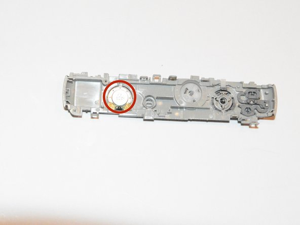 With the top cover removed the speaker can be very easily removed or replaced.