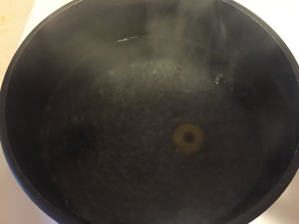 Place the bushings in the boiling water and cover the pot. Boil the bushings for 10-15 minutes.