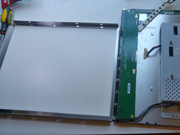 Image 3/3: This is similar to removing the other frame in step 2