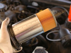 Mercedes W123 Diesel Oil and Filter Change, Under Car