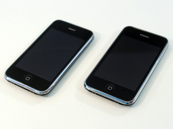 Which one's the 3GS? They look identical.