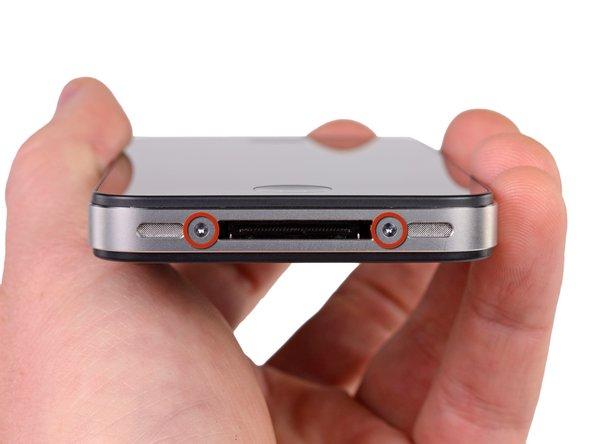 Перед разбором убедитесь что iPhone выключен и не подсоединён к зарядному устройству.