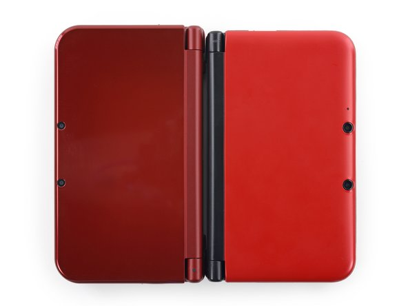 It looks like the New 3DS XL has lost some weight too! Weighing in at 329 grams, Nintendo has shaved 7 grams off of the original 336 gram weight.