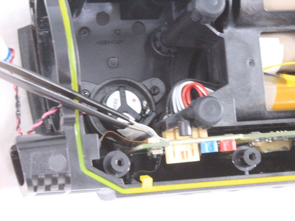 Do not pull on the cables themselves. Doing so can damage the cables. Always remove the ZIF connector by gently lifting the padding securing them to the motherboard.
