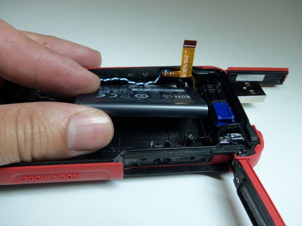 After removing the battery housing, take the battery out.