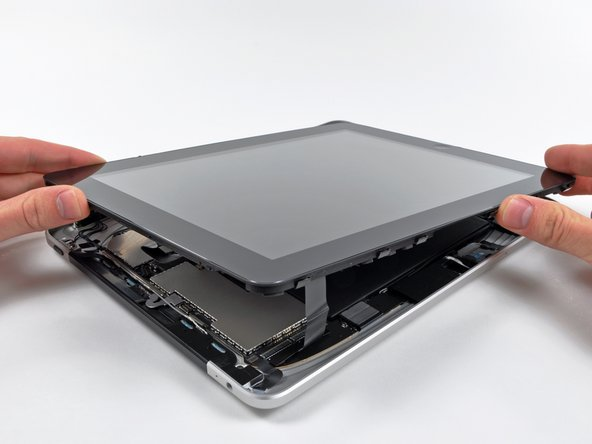 Opening the iPad 3G for teardown