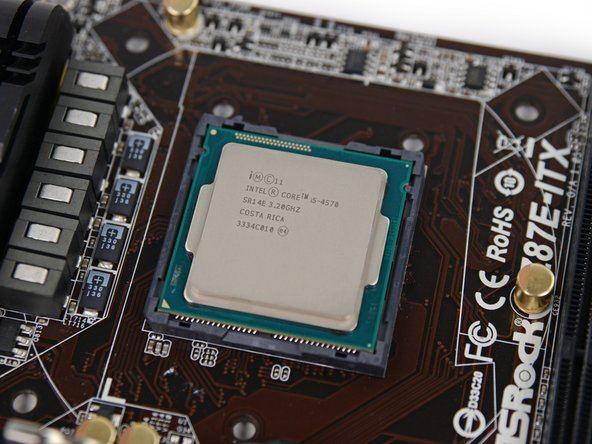 Image 3/3: Under the hood, the CPU powering our Steam Machine is a 3.2 GHz (with a Max Turbo Frequency of 3.6 GHz) [link|http://ark.intel.com/products/75043/|Intel Core i5-4570|new_window=true].