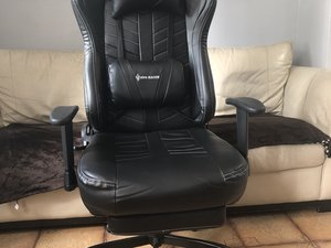 Fixing a Wobbly Armrest on the VonRacer Gaming Chair