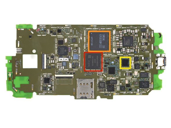 Teardown update: We got ahold of a Verizon version of the Moto-X and played a little game of 'spot the difference' with the motherboard: