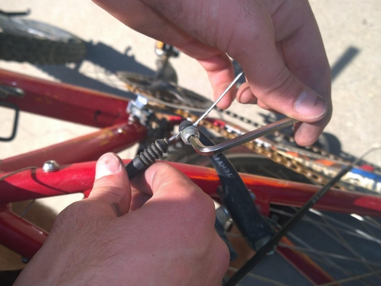 how to break a bike chain