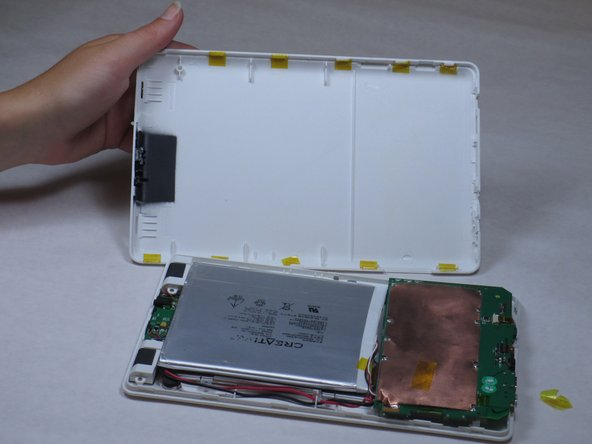 "Disassembling Creative Ziio 7"" Back Panel"