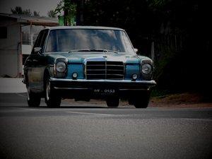 Mercedes W115 Repair