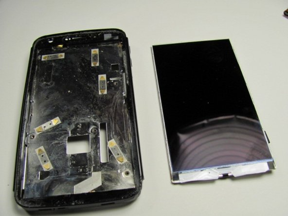 Image 1/1: The LCD is now ready to be replaced.