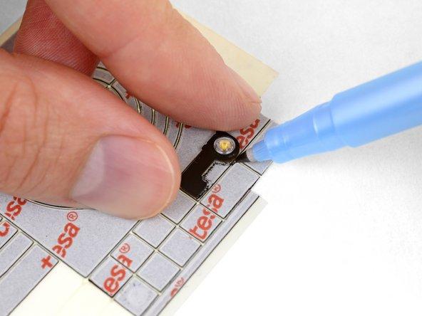 استفاده کردن قطعه فلش و قلم یا مارکر برای دنبال کردن قطعه نوار چسب