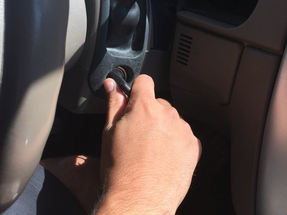 Image 1/3: Turn the car off.