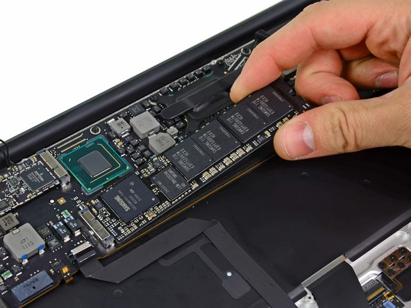 To avoid damaging its socket, do not lift the end of the SSD excessively.