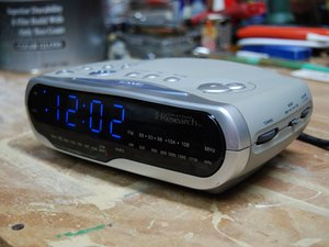 "Emerson Research Model CKS1850 ""SmartSet"" Alarm Clock Teardown"