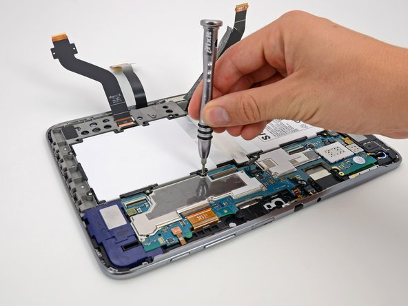 In fact, the battery is very easy to remove, even when compared to the Nexus 7.