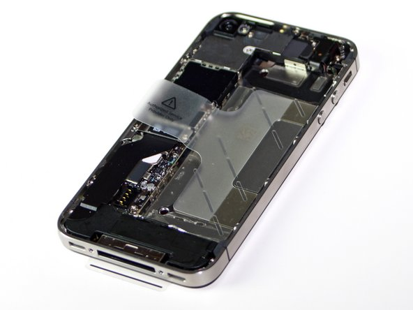 We finally get our first good look at the 4S's highly-acclaimed battery.