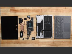 Microsoft Surface Laptop 3  (13.5インチ)の分解