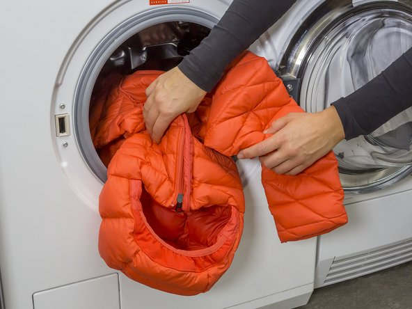Please always close buttons, zippers and Velcro closures before washing. This keeps fibers from catching and the clothing from stretching out during the wash cycle.