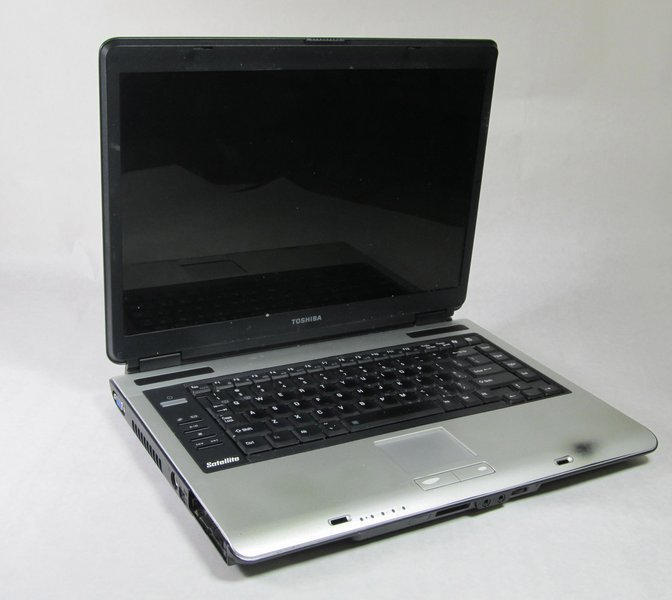 toshiba satellite a105 s4011 troubleshooting ifixit rh ifixit com Toshiba Remote Manuals Toshiba TV Owners Manual