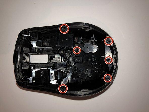 Die Schrauben mit PH00 lösen.